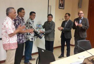Handover Kesekretariatan Tripartit 2016